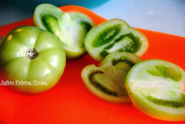 σαλάχι με πράσινες ντομάτες